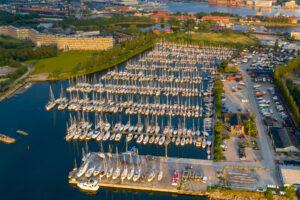 Luftfoto af Margretheholms havn, Amager